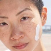 Does sunblock cause acne?